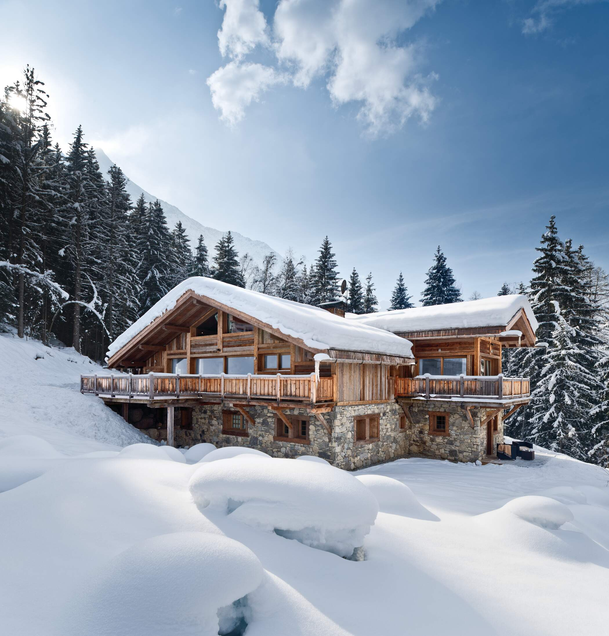 Lovelydays Luxury Rentals introduce you pictures of a charming house in the heart of the Alps