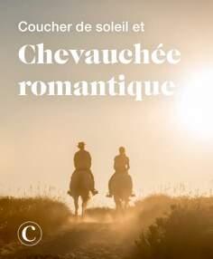 Coucher de soleil et chevauchée romantique